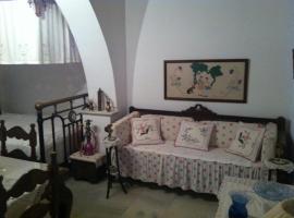 apeiranthos traditional stone house