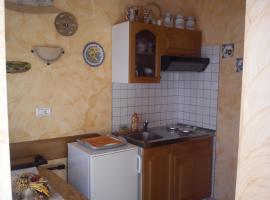 app LORENA, Kaštel (рядом с городом Malotija)