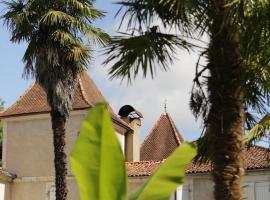 Chateau Saint Martin B&B, Pouillon (рядом с городом Clermont)