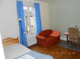 Chambre meublée, Saint-Aubin-lès-Elbeuf (рядом с городом Клеон)