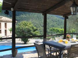 Casa Piscina Climatizada, Coll de Nargó (Sallent yakınında)