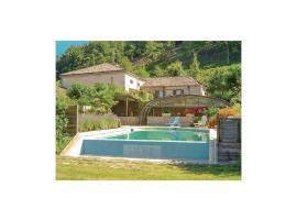 Three-Bedroom Holiday Home in Catelnaud de Grateca., Soubirous (рядом с городом Castelnaud-de-Gratecambe)