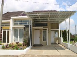 Villa Poermira 2, Бату (рядом с городом Sengon)