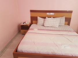 De Bridgeville Suites, Jos