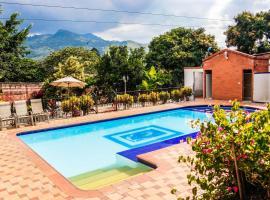 Villa Katherine CO co Nat, Girardota (Barbosa yakınında)
