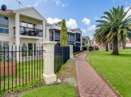 Port Adelaide Harbourside House, Port Adelaide (Cheltenham yakınında)