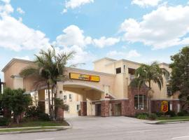 Super 8 by Wyndham Torrance LAX Airport Area, Torrance