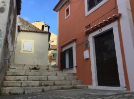 Historic bay apartment, 20 min. to Lisbon centre.
