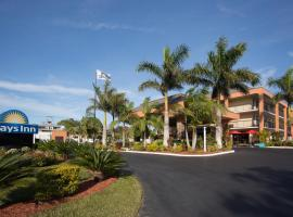 Days Inn Sarasota Bay 3 Star Hotel This Is A Preferred Property They Provide Excellent Service Great Value And Have Awesome Reviews From Booking