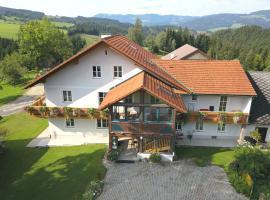 Apartment am Bio Bauernhof Holzer, Gschaid bei Birkfeld (Miesenbach yakınında)