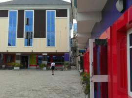 Lofu hotels and suites, Rumuoqonoma