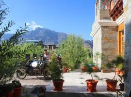 Barula Hotel, Kargil (рядом с городом Pashkyum)
