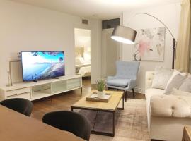 Amazing View Luxury 2 bed Condo, Yonge & Finch, Toronto