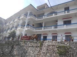 Hotel Neelkanth Palace, Uttarkāshi (рядом с городом Harsil)