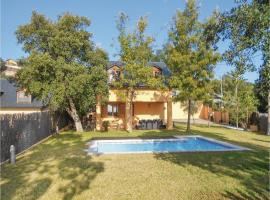 Four-Bedroom Holiday Home in S. Cebria de Vallalta, Hortsavinyà