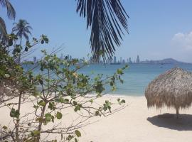 ÉTEKA BEACH CARTAGENA, Cartagena de Indias (Playa de Punta Arena yakınında)