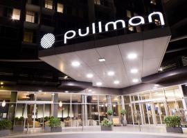 Pullman Adelaide, Adelaide
