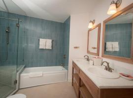 Serendipity Five Bedroom Villa, Hopewell