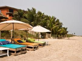 Cliff Haven Beach Resort, Brofoyedru (рядом с городом Apam)