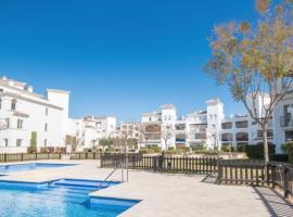 La Torre Apartment Pool Views, Roldán (Los Tomases yakınında)
