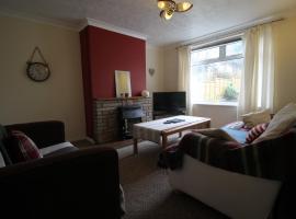 4 bed House to Sleep 8 People In Cardiff, Кардифф (рядом с городом Pentyrch)