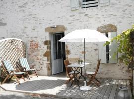House Rose 3, Saint-Hilaire-de-Talmont (рядом с городом Grosbreuil)