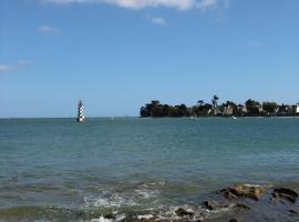 à 50 mètres de la plage, Île-Tudy (рядом с городом Loctudy)