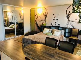 Apartment on Samotechnaya 13
