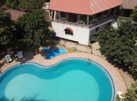 Safari Lodge, Adama
