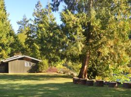 Riverside Ranch with Guest Cabin, Baring