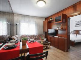 PRETTY HOUSE WITH SUNNY TERRACE NEAR CAMP NOU, FIRA, PALAU CONGRESS BARCELONA