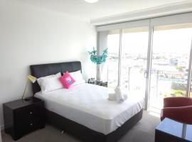 Modern Highrise Apartment Resort, Gold Coast (Southport yakınında)