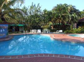 Papagayos Beach Hotel, Playa Ladrilleros