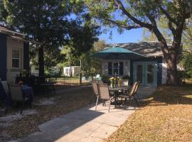 Ozona Bungalow and guesthouse