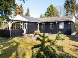Two-Bedroom Holiday home in Ørsted 5, Kare