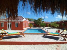 Aruba Jewel, Paradera