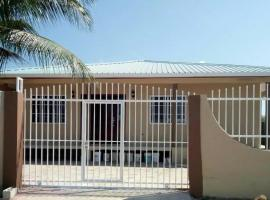 I & R Home, Belize City (Tropical Park yakınında)