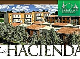 "Casa familiar completa""CASACLUB"", Quito"