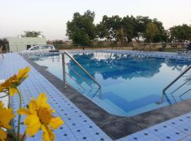 Chitrakoot Garden and Resorts, Пушкар (рядом с городом Bassi)