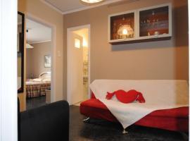 Kinetta Apartments, Kalamos