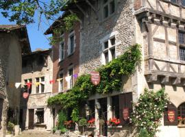 Hostellerie du Vieux Pérouges, Pérouges (рядом с городом Béligneux)