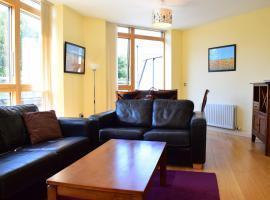 Spacious 3 Bedroom Apartment, Дублин (рядом с городом Чейплизод)