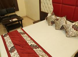 Hotel Deepak Inn, Jāmb (рядом с городом Kora)