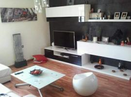 Precioso apartamento, Estación