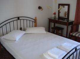 Golden Beach Hotel, Áyioi