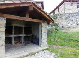 Apartamento & Barbacoa Pirineo (Jacetania/Valle de Roncal), Salvatierra de Esca (Navascués yakınında)