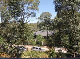 Exquisite Family Home +Parking, Close to CBD, Sidney (Lane Cove yakınında)