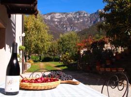 Ca' del Santuario, Ala (Serravalle all'Adige yakınında)