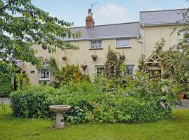 Castle Cottage, Woodbury