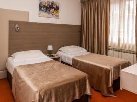 Hotel S, Беране